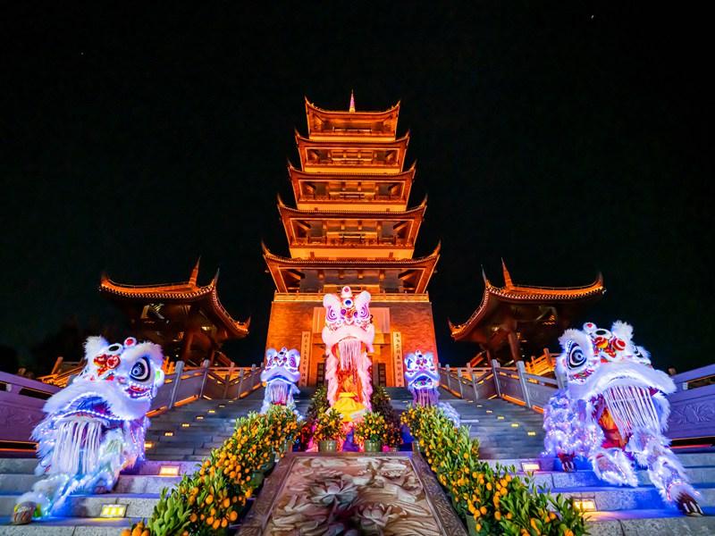 深圳春节名胜古迹醒狮表演