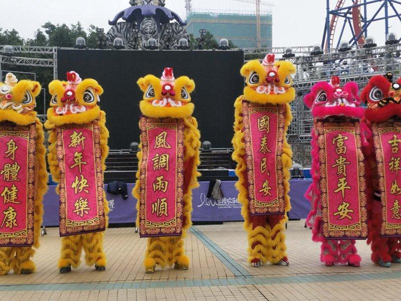 深圳景区春节舞狮