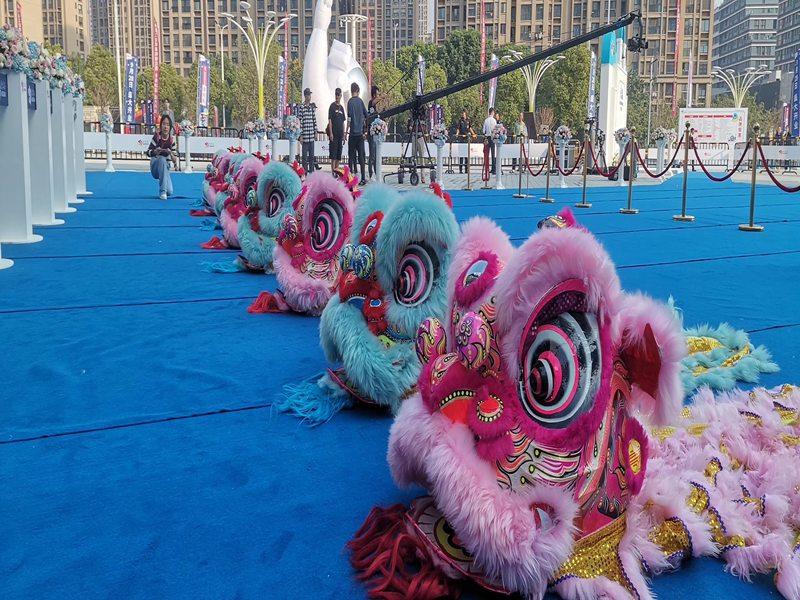 四川春节开年舞狮表演