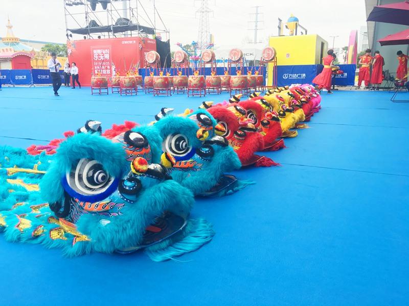 深圳万达广场开业醒狮表演